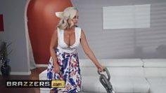 mommy-got-boobs-alena-croft-ricky-johnson-mommys-busy