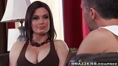 brazzers-mommy-got-boobs-helping-with-the-chores-scene